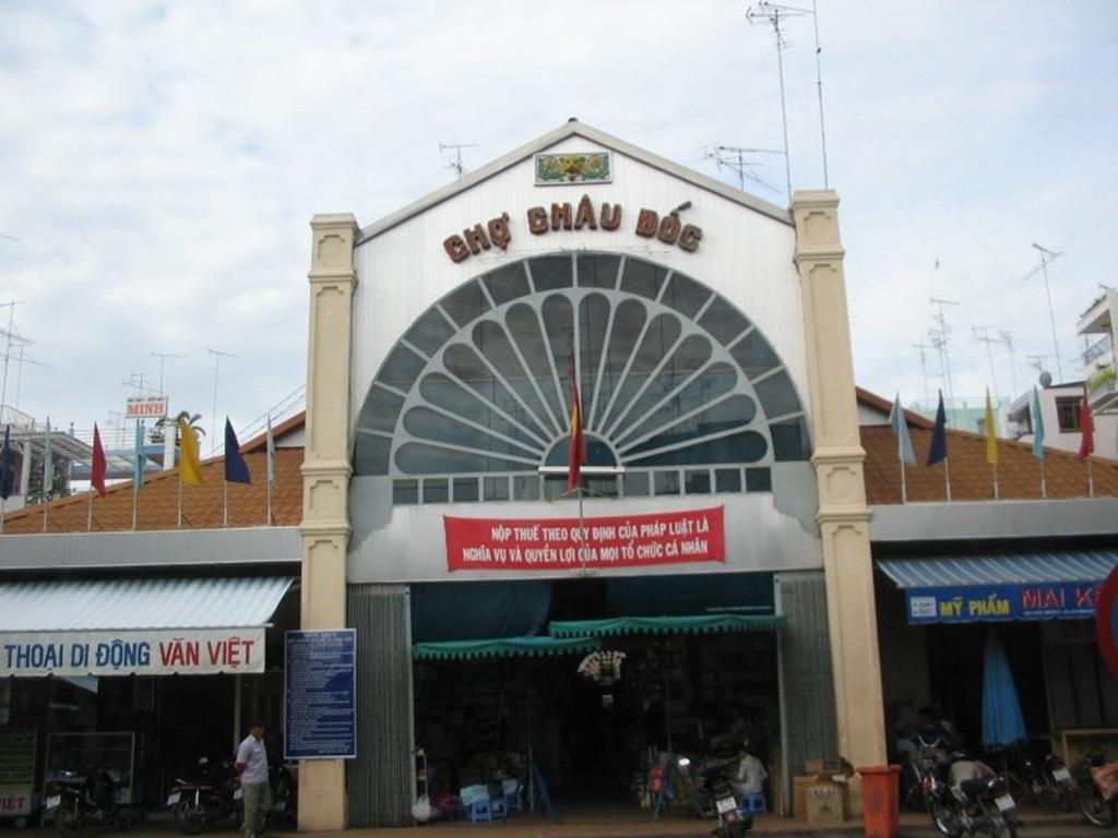 Chợ Châu Đốc – lối vào thiên đường mắm
