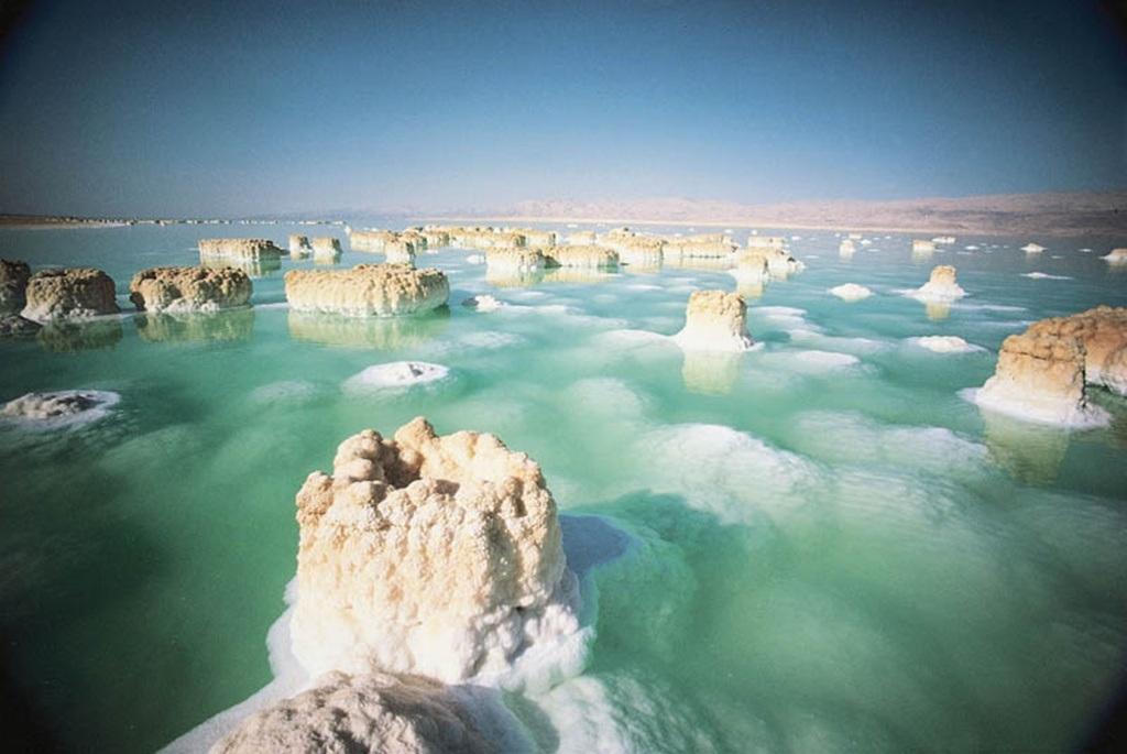 Cảnh tượng hùng vĩ ở biển Chết