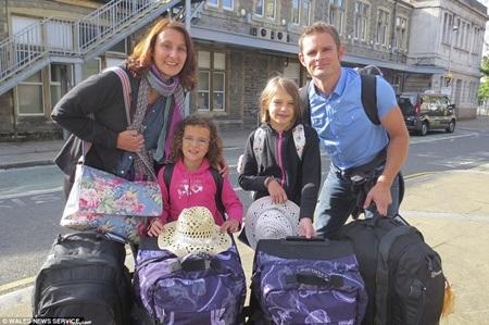 Hình ảnh trước chuyến đi lớn của cả gia đình