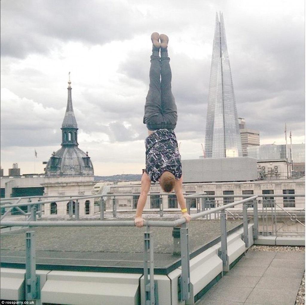 Bức hình chụp tại tòa nhà chọc trời Shard, London
