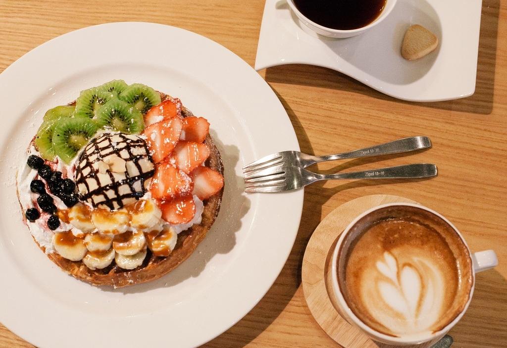 Món bánh kẹp Waffle được trang trí hấp dẫn