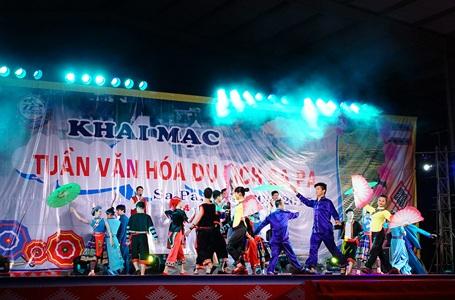Chương trình ca nhạc khai mạc lễ hội