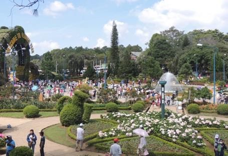 Các địa điểm du lịch tại Đà Lạt đông nghịt khách