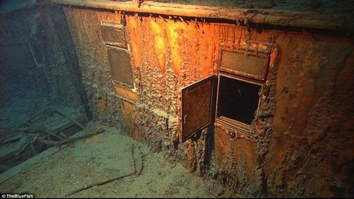 Hình ảnh một tủ chứa đồ trên tàu