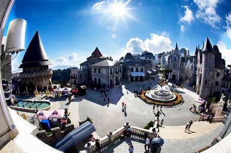Bà Nà là một trong những điểm đến tại Đà Nẵng thu hút đông đảo du khách dịp lễ 30/4
