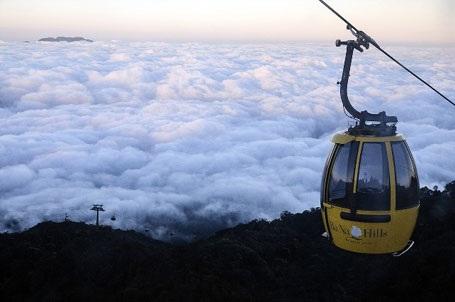 Con đường Mây lên đỉnh Bà Nà