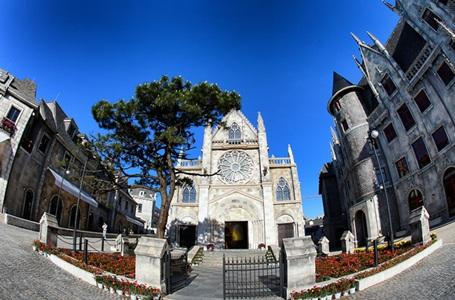 Vẻ đẹp tôn nghiêm nơi thánh đường St Denis – NAG Lê Hải Sơn