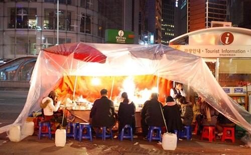 Lều Pojangmacha đặc trưng ẩm thực Hàn