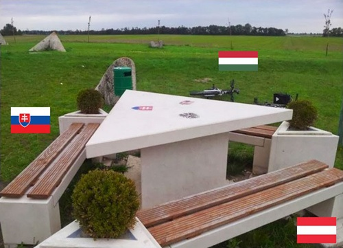 """Những đường biên giới """"kỳ lạ"""" giữa các quốc gia"""