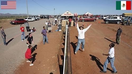 Hàng rào chắn đơn giản này lại là đường biên giới phân tách giữa Mỹ và