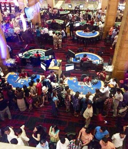 Toàn cảnh khu vực casino tầng trệt