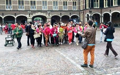 Công ty Perfect đưa 4.500 nhân viên đi du lịch tại Hà Lan. Ảnh: Daily Mail