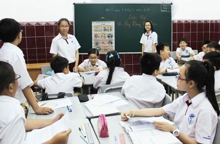 Học sinh Trường Quốc tế Á Châu năng động trong giờ học của chương trình Bộ GD&ĐT