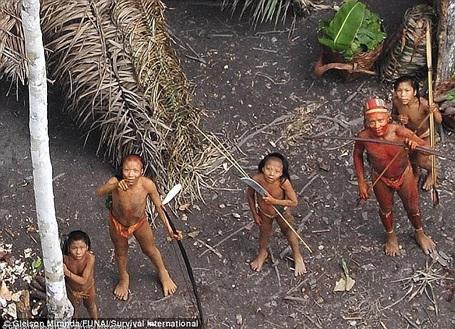 Hé lộ hình ảnh đầu tiên về bộ lạc bí ẩn cuối cùng ở rừng Amazon
