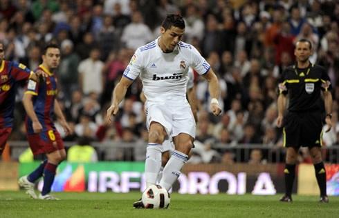 C.Ronaldo được hưởng lợi nhiều hơn từ phạt đền