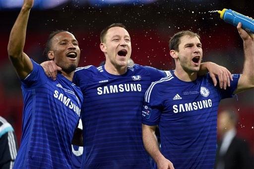 Vì gia đình, Terry quyết ở lại Stamford Bridge