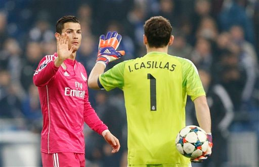 Thủ thành huyền thoại khẳng định Ronaldo và Casillas sẽ phải rời Bernabeu