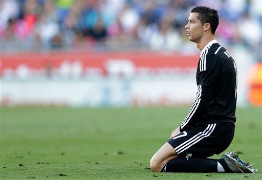 Cựu trung vệ Barca cho rằng Ronaldo không xứng đáng giành QBV 2015