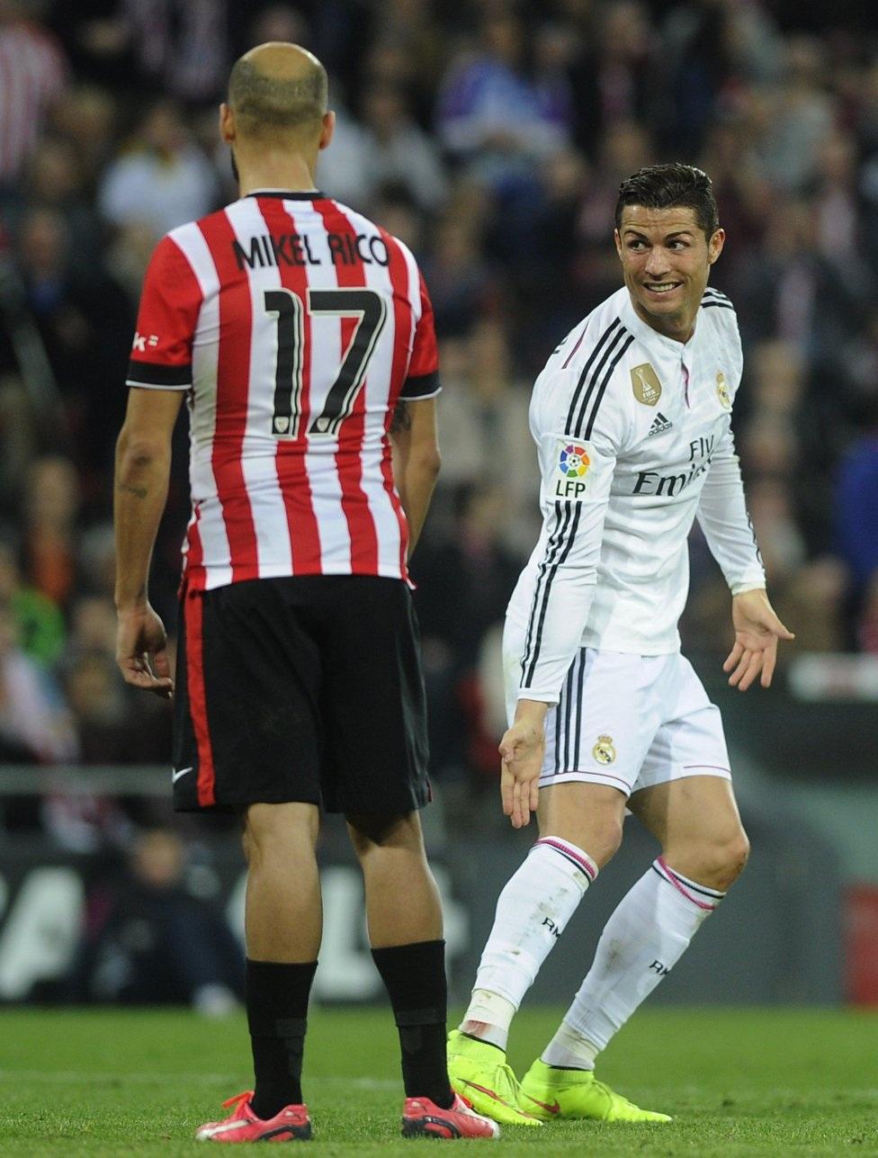 C.Ronaldo đưa ra bằng chứng mình bị phạm lỗi