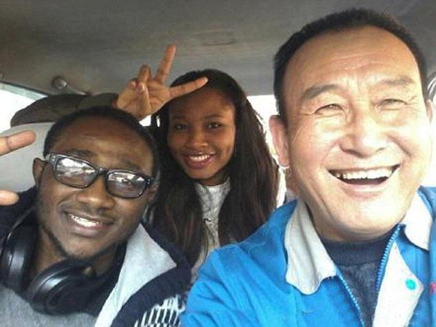 Teng Jiazhi đã đề nghị được tặng những bức ảnh chụp chung với hành khách thay vì tiền boa