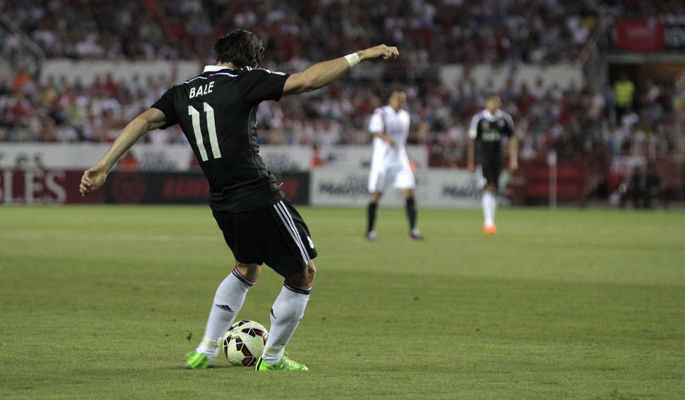 Quả tạt rất dẻo của G.Bale…