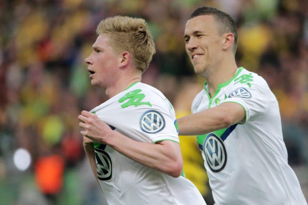 Wolfsburg chính thức lật đổ Dortmund