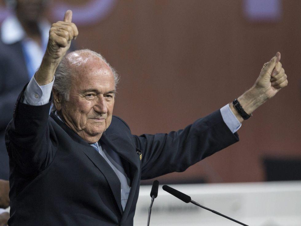Sepp Blatter tái đắc cử Chủ tịch FIFA trong bối cảnh uy tín xuống rất thấp