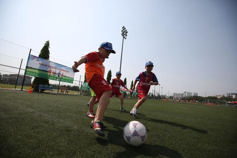 Sôi động ngày hội tuyển chọn trại hè bóng đá 2015