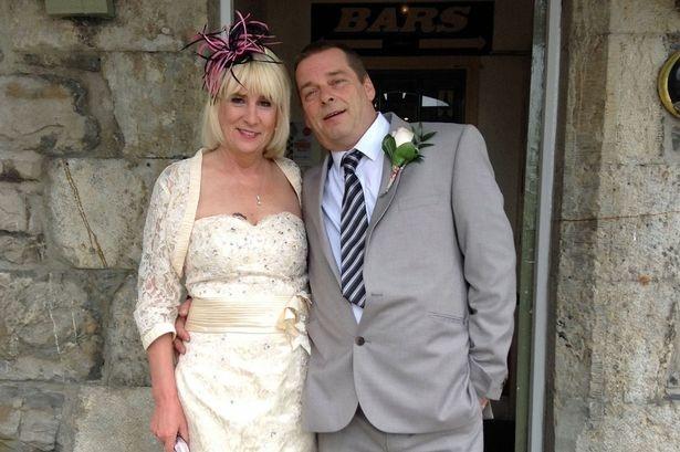 Jenny cùng chồng mới cưới