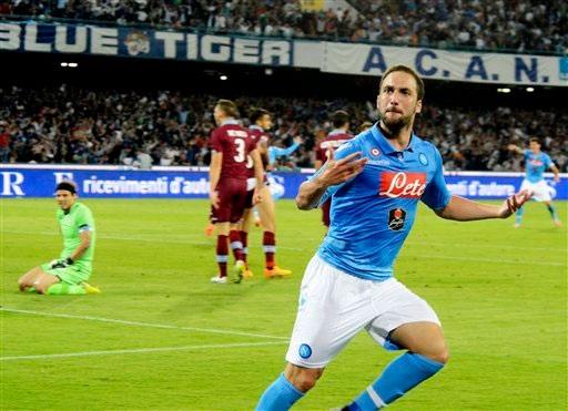 Napoli sẽ chấp nhận bán Higuain với giá 90 triệu euro
