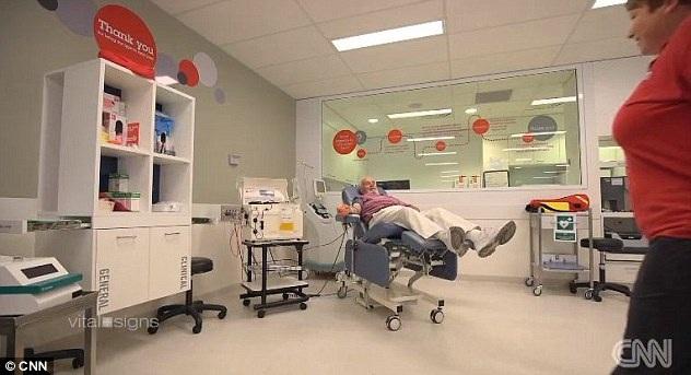 Ông Harrison đã tình nguyện tham gia hàng loạt ca thử nghiệm để tạo nên loại vắc-xin Anti-D