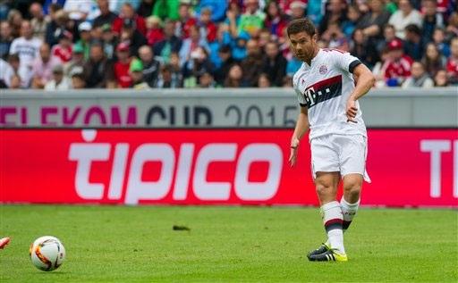 Xabi Alonso sẽ phải ra đi nếu để mất vị trí vào tay Thiago Alcantara