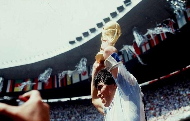 Maradona sinh ra để dẫn dắt những đội bóng yếu