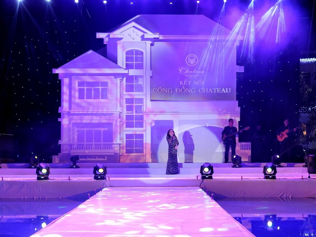 Ca sỹ Lan Thảo có màn trình diễn xuất thần với những ca khúc trữ tình nổi tiếng:
