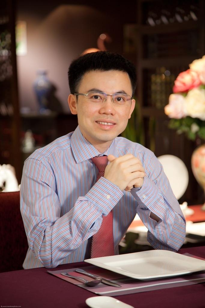Ông Lý Huy Sáng, thế hệ thứ tư của Công ty Gốm Minh Long I