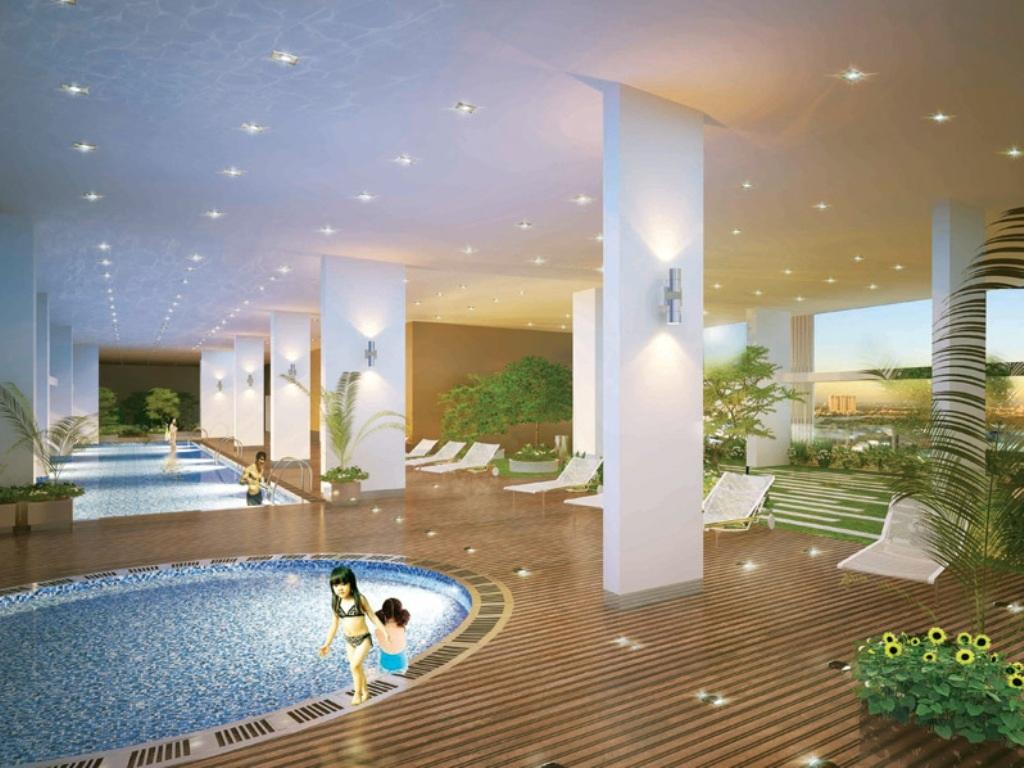 Hồ bơi thiết kế bên trong tòa nhà của dự án Scenic Valley tiện cho người dân sử dụng trong mùa mưa