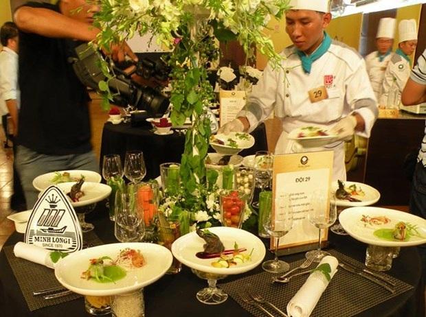 Bàn tiệc trái giác của đội khách sạn Kim Đô 1 được nhiều ban giám khảo chú ý