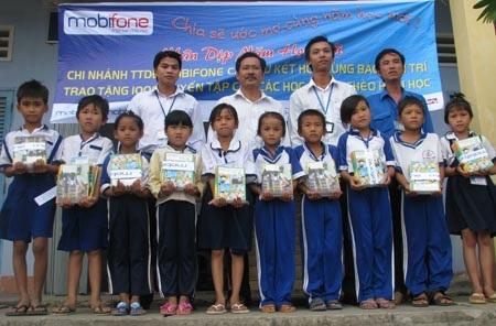 """Hành trình """"Một triệu cuốn vở…"""" đến với học sinh nghèo Cà Mau - 6"""