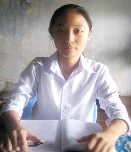 Kha Thị Mỹ Trang - thủ khoa tốt nghiệp THPT 2013 tỉnh Bạc Liêu.