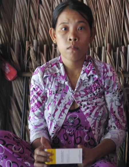 Em Trần Thị Thúy đang giành giật sự sống với căn bệnh máu hiếm gặp.