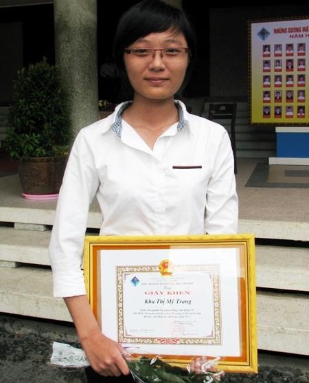 Kha Thị Mỹ Trang đỗ thủ khoa khối D1 Trường ĐH Cần Thơ năm 2013.