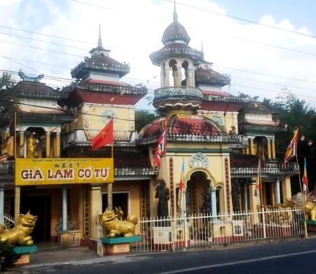 Ấn tượng những lễ đài nhà Phật ở chùa Già Lam Cổ Tự