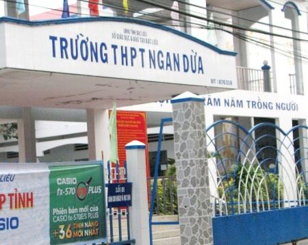 Trường THPT Ngan Dừa - nơi Hiệu trưởng là bà Hồ Thị Thanh Hồng có nhiều sai phạm