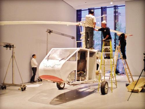 Chiếc trực thăng đầu tiên của anh Hải được trưng bày tại Viện Bảo tàng New York - Mỹ.