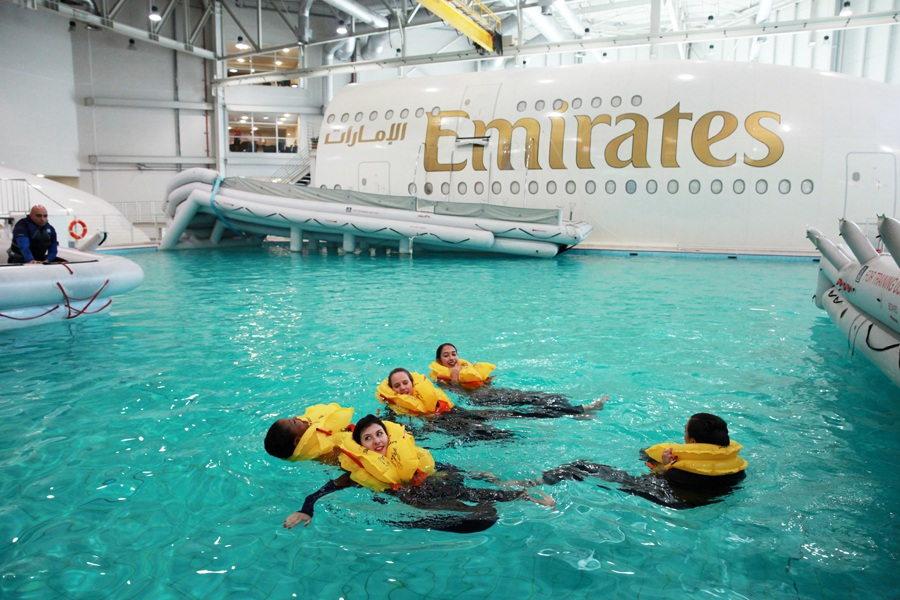 Trường đào tạo có các mô hình để diễn tập sự cố, bao gồm cả việc phải hạ cánh trên mặt nước