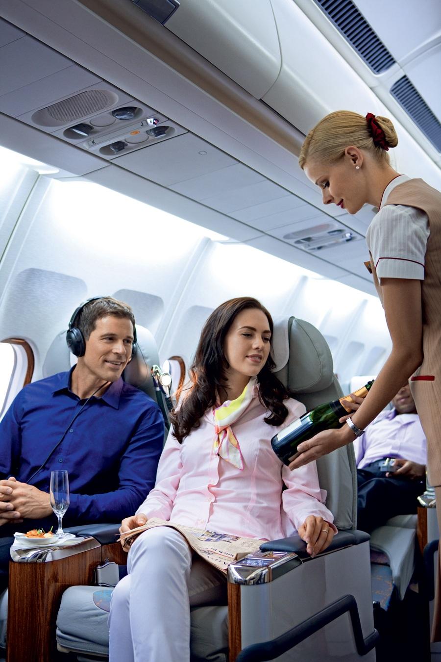 Các tiếp viên cũng học cách xử lý khi có sự cố hỏa hoạn trên máy bay