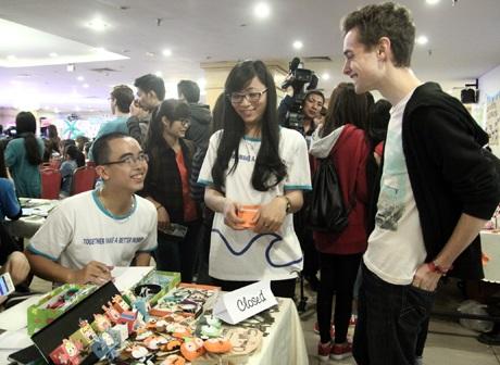 Đây là ngày hội của văn hóa, giao lưu và học hỏi giữa bạn trẻ Việt và các du khách nước ngoài