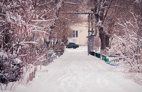 Những con đường tuyết quen thuộc với người dân Nga chìm trong tuyết trắng
