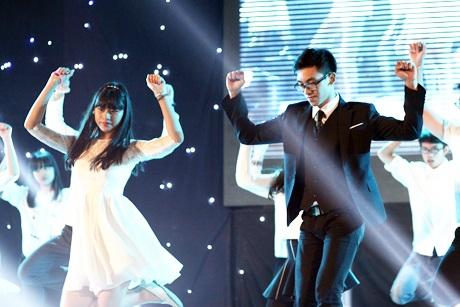 Các đại sứ của Chu Văn An say sưa trong những vũ đạo đẹp mắt