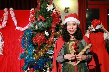Du học sinh Việt tại Nhật Bản mở tiệc đón Giáng sinh